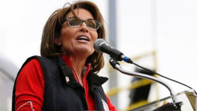 PHOTO: Former Alaska Gov. Sarah Palin speaks during a rally in New Egypt, N.J.