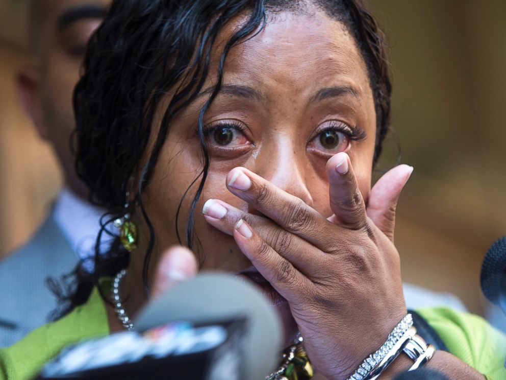 PHOTO: Shanesha Taylor addresses the media following her settlement with the Maricopa County Attorneys Office, July 18, 2014.