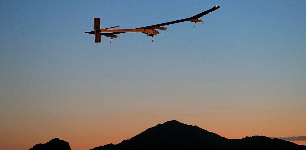 PHOTO: The Solar Impulse takes flight from Phoenix airport