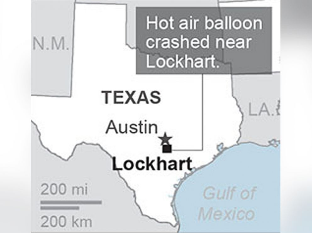 PHOTO: Federal officials say a hot air balloon carrying at least 16 people caught on fire and crashed in Central Texas, July 30, 2016.