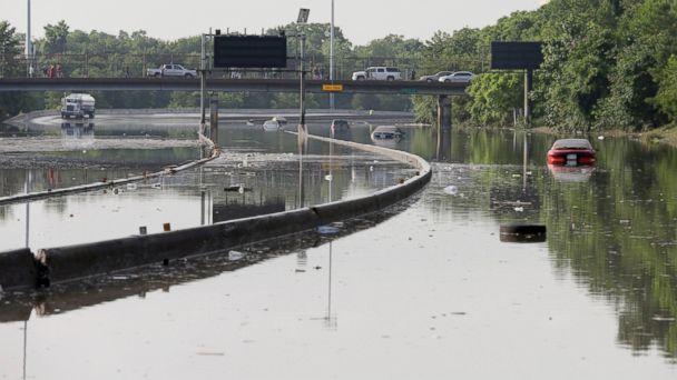 https://s.abcnews.com/images/US/AP_texas_flood_jef_150526_16x9_608.jpg