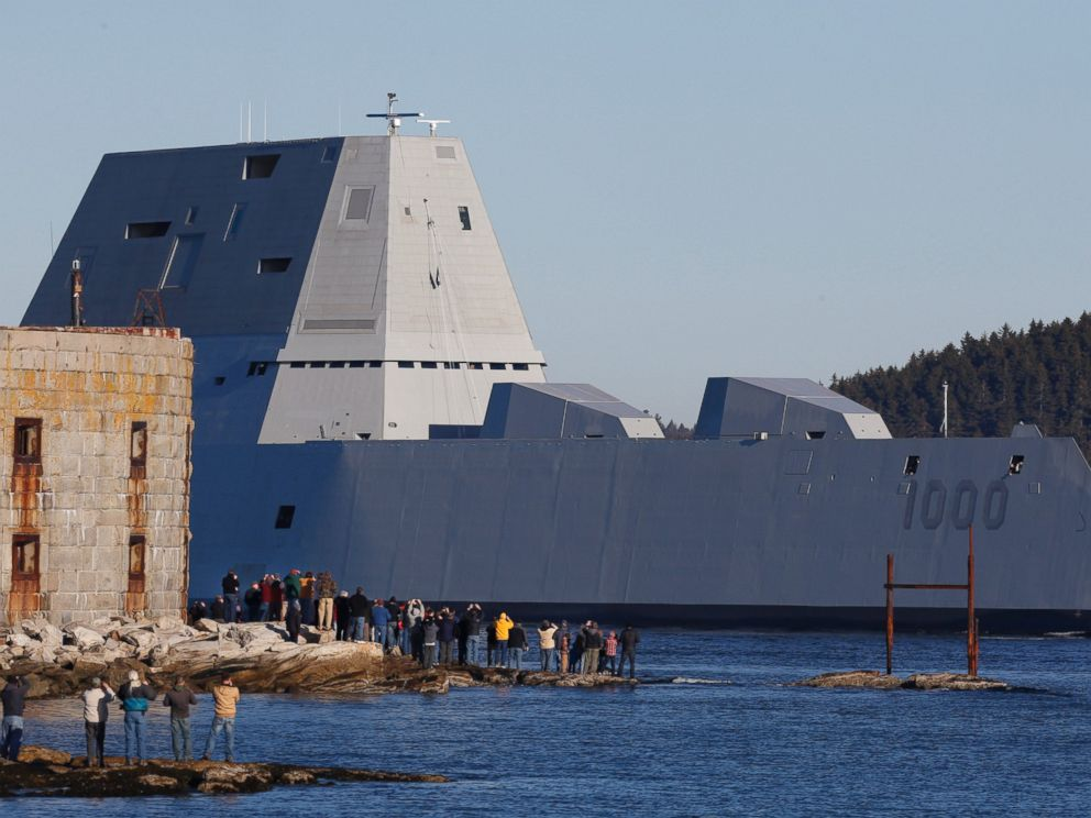 PHOTO: The first Zumwalt-class destroyer, USS Zumwalt, the largest ever built for the U.S. Navy, passes spectators at Fort Popham at the mouth of the Kennebec River in Phibbsburg, Maine, Dec. 7, 2015, in Bath, Maine.