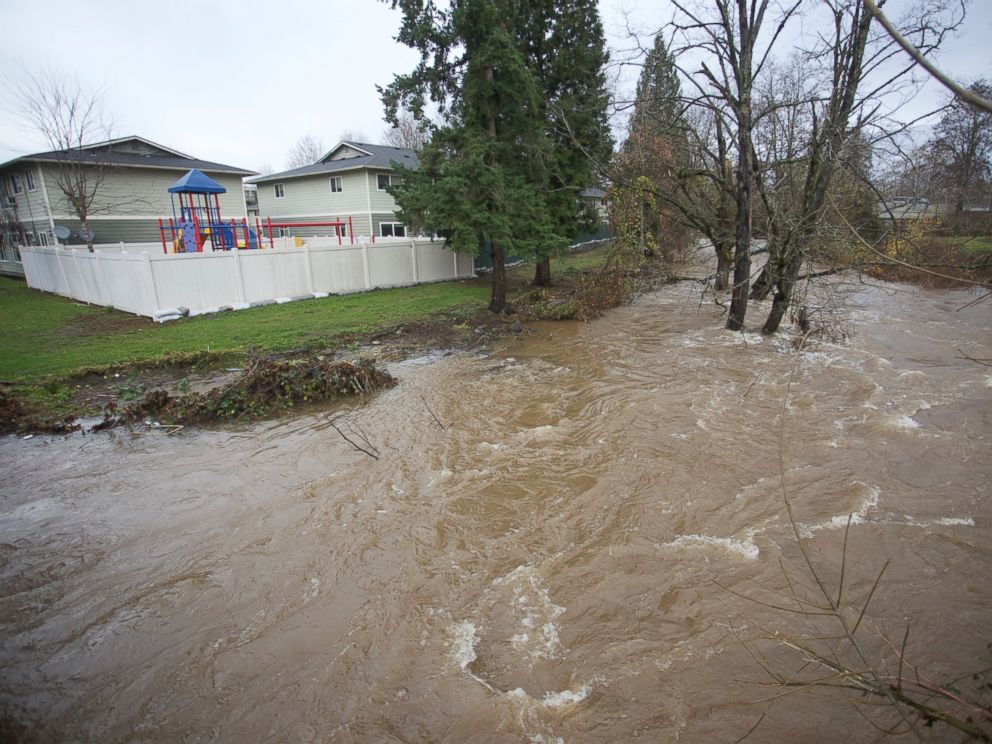 PHOTO:Johnson Creek swells near flood stage in Portland, Ore., as the Pacific Northwest was soaked by another night of heavy rain, Dec. 9, 2015.