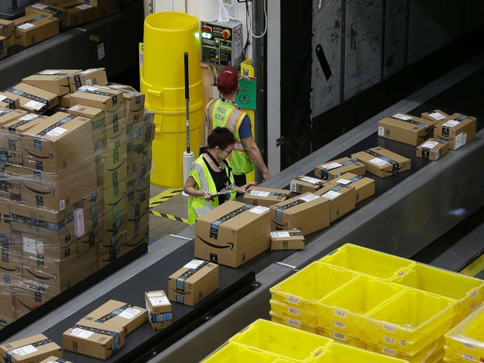 Amazon Starts Delivering Prime Goods to GM, Volvo Trunks in US