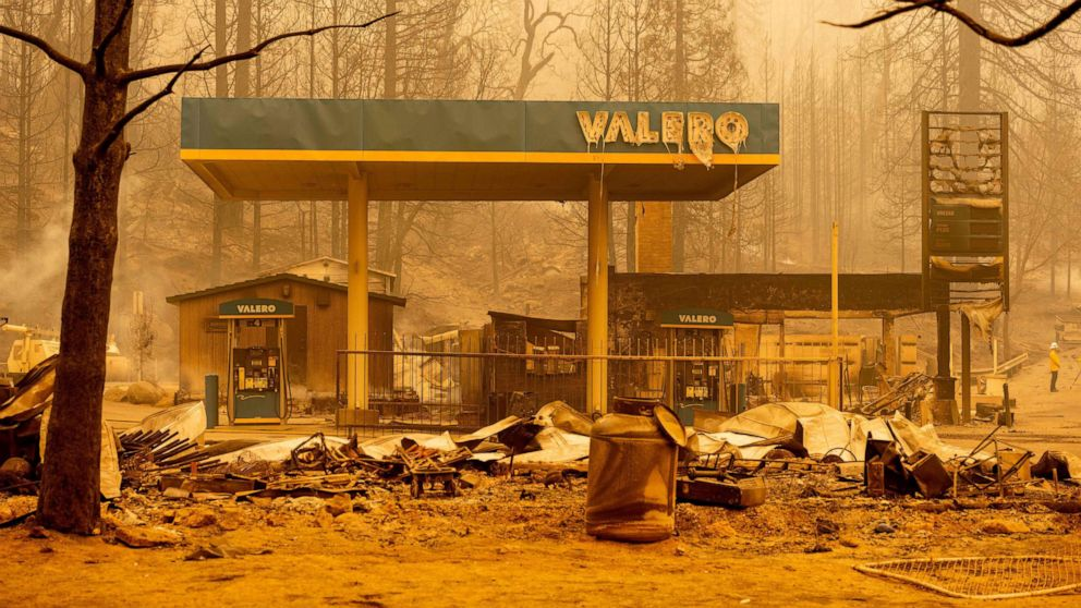 Oregon governor issues emergency declaration over wildfires thumbnail