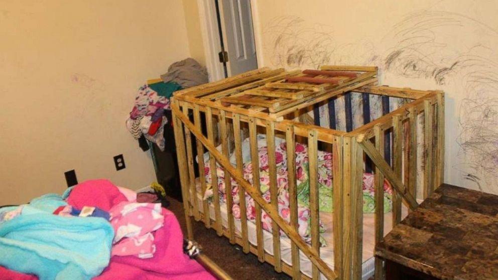 5子どもから家の中を後にしたとされているロックケージ