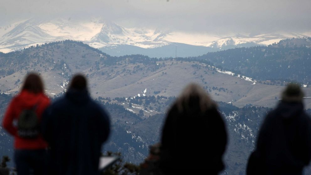 Storm hitting California with up to 6 feet of snow possible thumbnail
