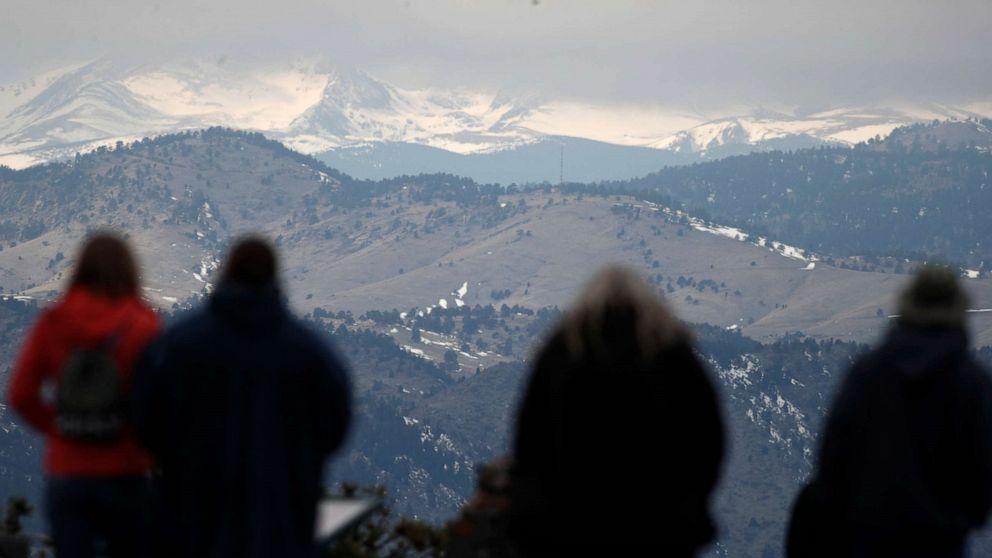 嵐を打つカリフォルニアで最大6足雪の可能