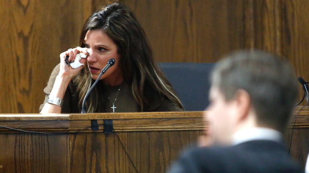american sniper trial widow taya kyle cries on witness stand abc