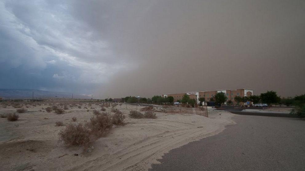 WORST SAND STORM IN SAUDI ARABIA - YouTube