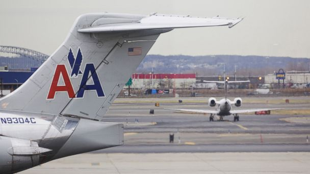 NAACP advises black travelers not to fly American Airlines