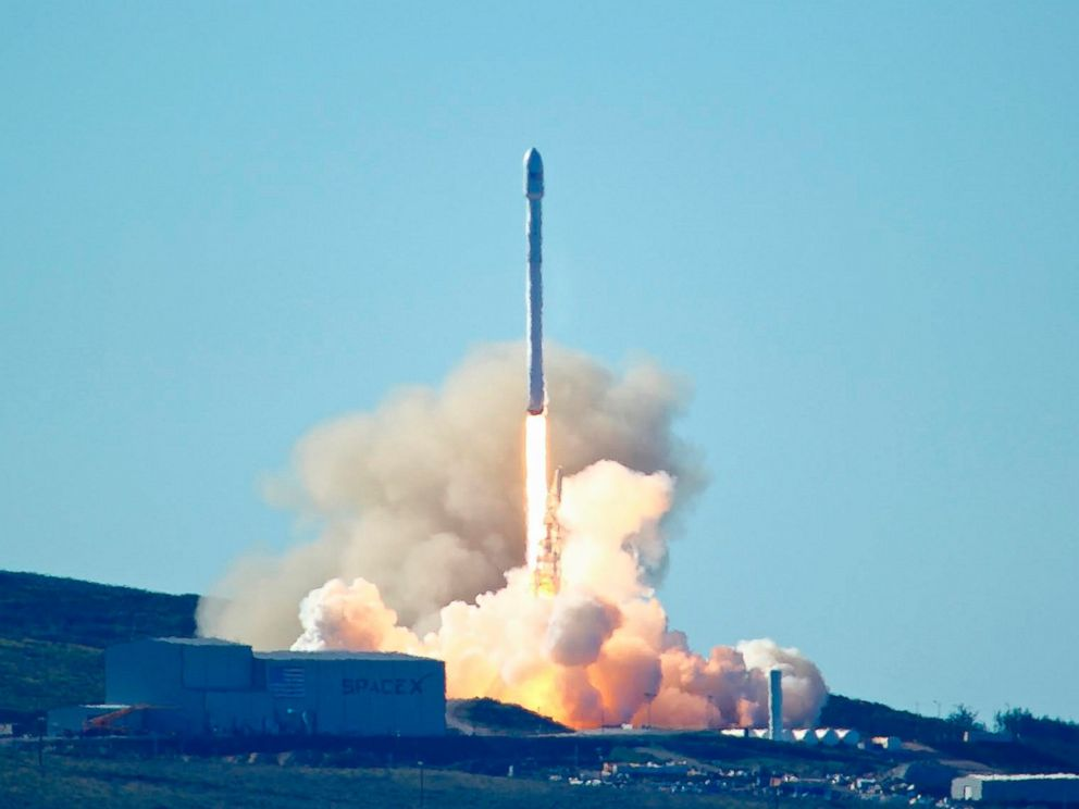 PHOTO: Space-Xs Falcon 9 rocket with 10 satellites launches at Vandenberg Air Force Base, California, Jan. 14, 2017.