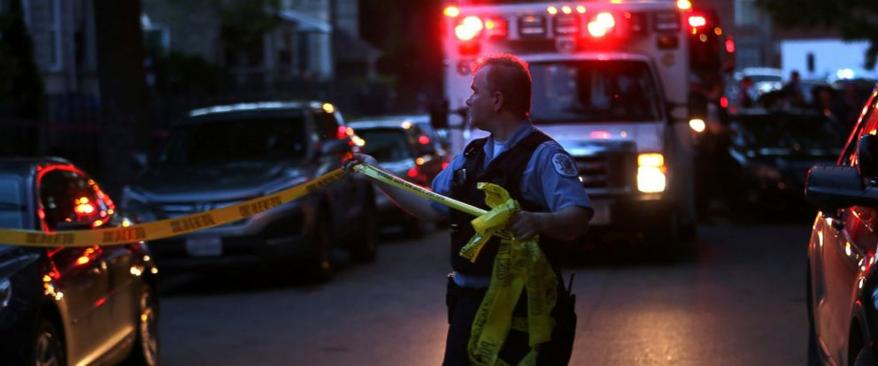 PHOTO: Police expand the crime scene in the 3900 block of West Lexington Street where a 20-year-old female suffered a gunshot wound to the head on Saturday, May 28, 2016.