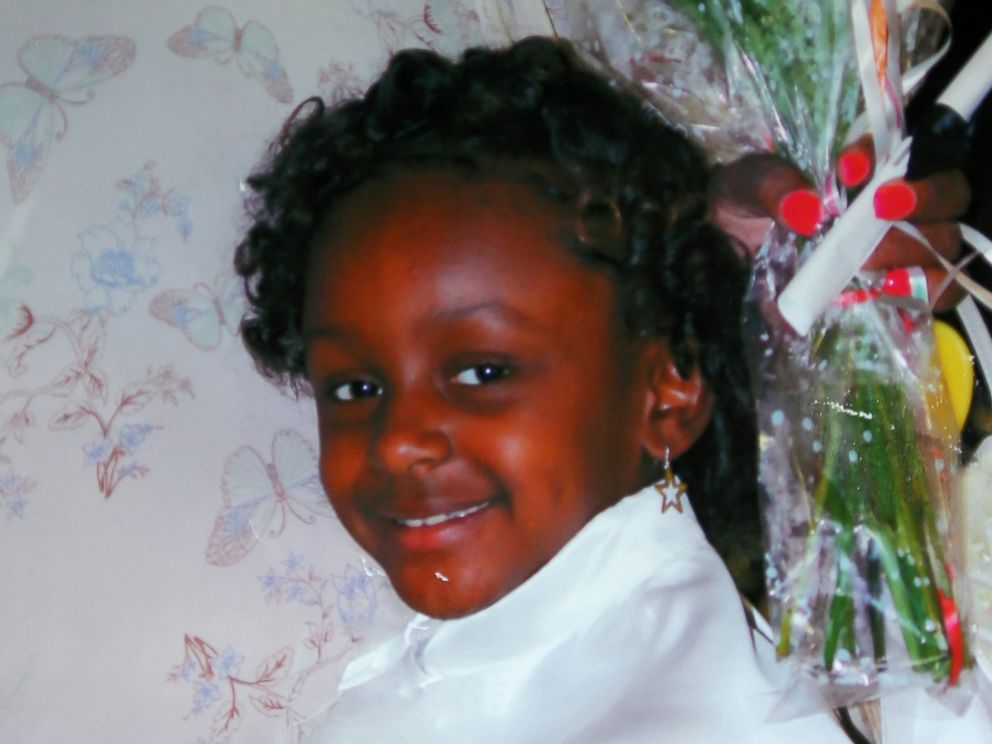PHOTO: Heaven Sutton, pictured at her kindergarten graduation, was shot and killed in front of her home in Chicago, Illinois. (Courtesy Ashake Banks via Chicago Tribune/MCT via Getty Images)