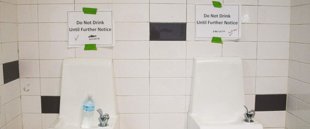 PHOTO:Placards posted above water fountains warn against drinking the water at Flint Northwestern High School in Flint, Mich. May 4, 2016.