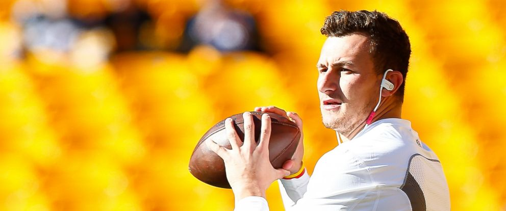 PHOTO: Johnny Manziel of the Cleveland Browns warms up before the start of the game against the Pittsburgh Steelers at Heinz Field on Nov. 15, 2015 in Pittsburgh.