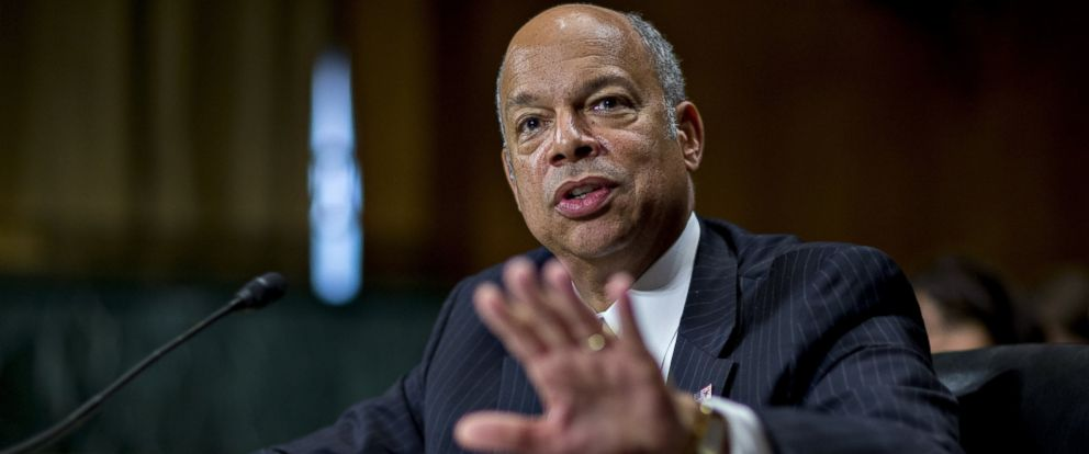 PHOTO: Jeh Johnson, U.S. secretary of Homeland Security (DHS), speaks during a Senate Judiciary Committee hearing in Washington, June 30, 2016.