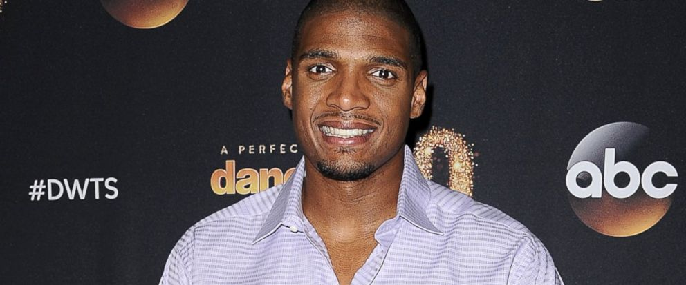 """PHOTO:NFL player Michael Sam attends ABCs """"Dancing With The Stars"""" season premiere, March 16, 2015, in West Hollywood, Calif"""
