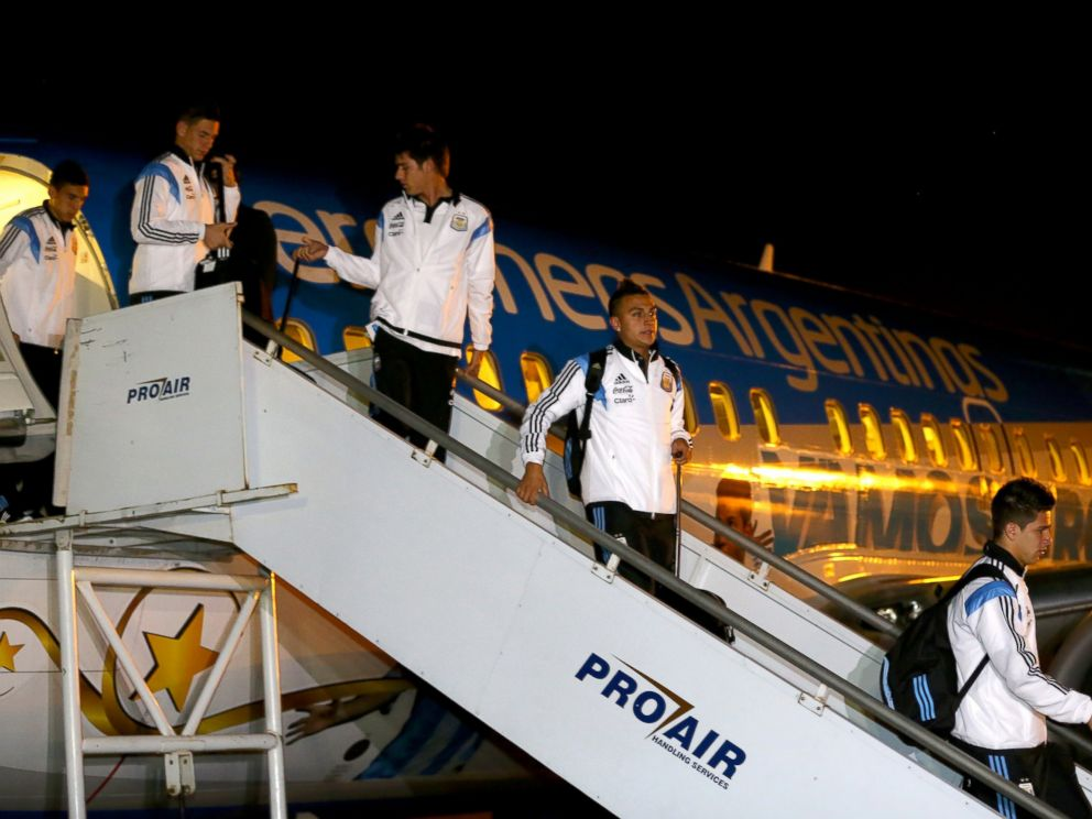 PHOTO: Players of Argentina arrive at Tancredo Neves International Airport ahead of the 2014 FIFA World Cup, June 9, 2014, in Belo Horizonte, Brazil.