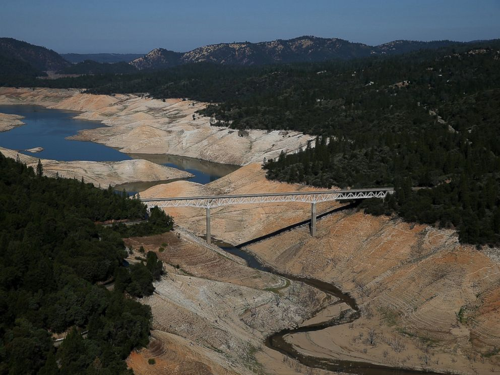PHOTO: The Enterprise Bridge passes over a section of Lake Oroville that is nearly dry