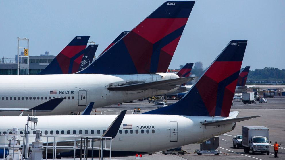 Feds Bust Alleged Delta Airlines Gun-Smuggling Ring - ABC News