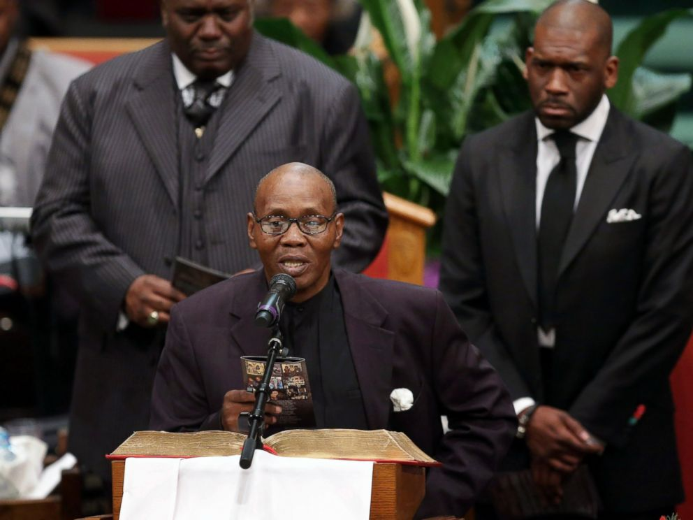 PHOTO: Freddie Grays stepfather Richard Shipley reads a poem written for Gray during his funeral at the New Shiloh Baptist Church during his funeral in Baltimore, April 27, 2015.