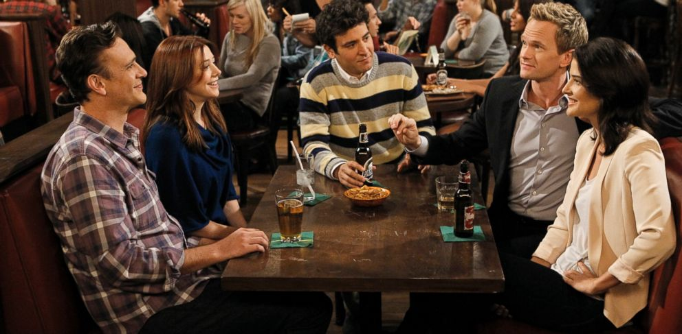 "PHOTO: Clockwise from left, Jason Segel, Alyson Hannigan, Josh Radnor, Neil Patrick Harris and Cobie Smulders in ""How I Met Your Mother."""