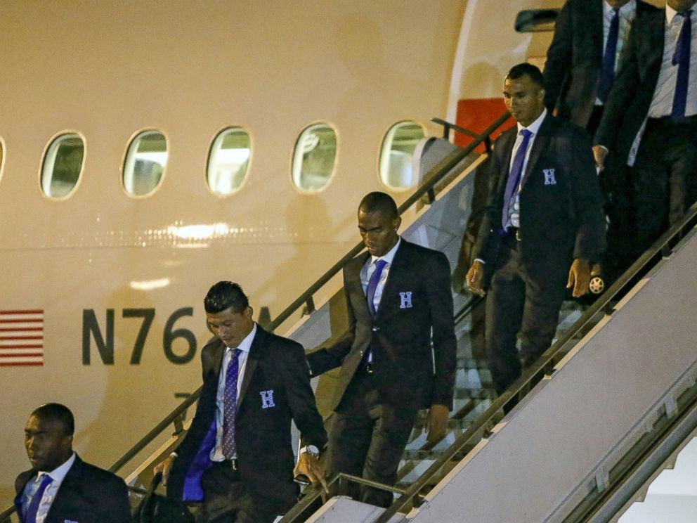 PHOTO: The Honduran national football team arrives at Guarulhos International Airport in Sao Paulo, June 9, 2014, to take part in the FIFA World Cup Brazil 2014.