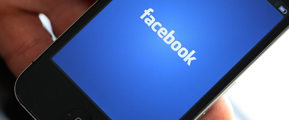 PHOTO: The Facebook Inc. company logo is seen on a smartphone in this photo in London, Aug. 29, 2012.