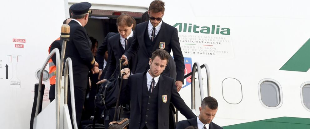 PHOTO: The Italy team arrives in Brazil ahead of FIFA 2014 World Cup, June 5, 2014, in Rio de Janeiro.