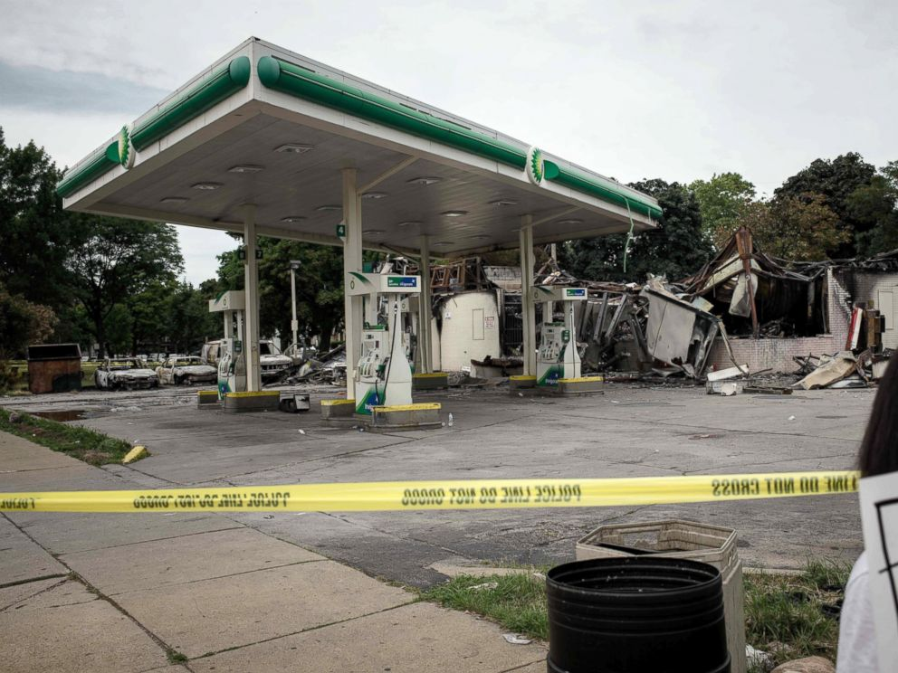 PHOTO: A gas station stands in ruins in Milwaukee, Wisconsin, Aug.15, 2016.