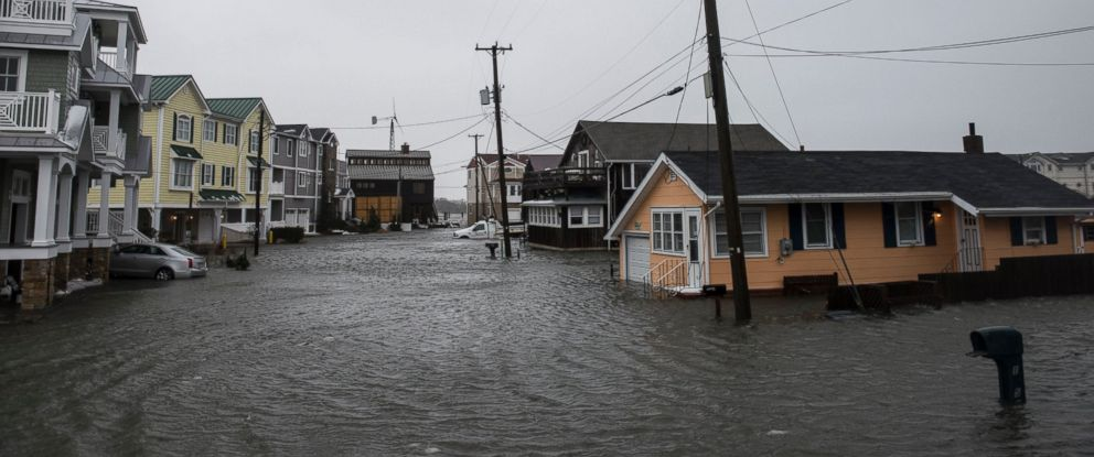 PHOTO: The winter storm mixed with high tide causes flooding in a group of homes off of Route 10, Jan. 23, 2016 in Cape May, N.J.