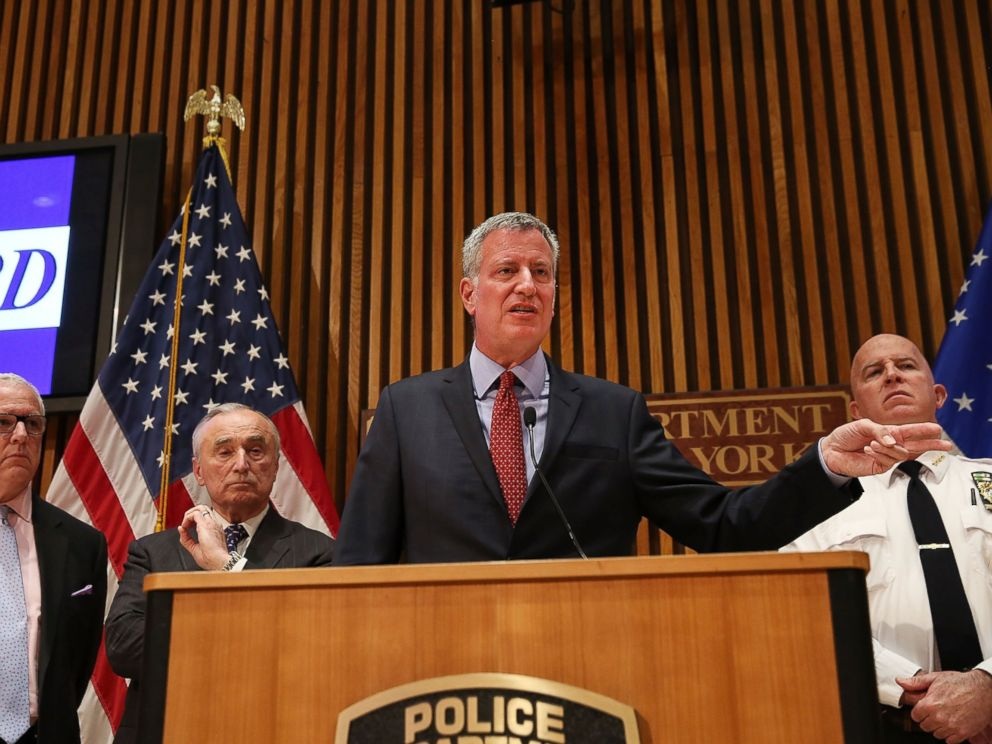 PHOTO: New York City Mayor Bill de Blasio is joined by Police Commissioner William Bratton at a news conference where the two spoke about a table-top emergecny drill following attacks in the Belgium capital of Brussels, March 28, 2016, in New York.