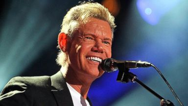 PHOTO: Randy Travis performs on June 7, 2013 in Nashville, Tenn.