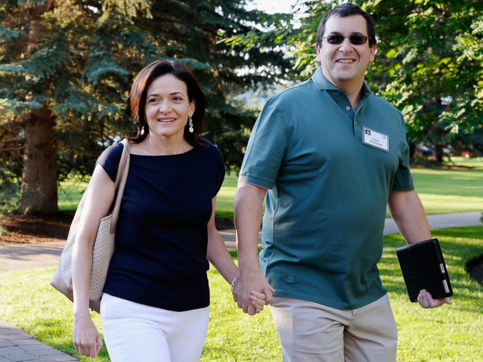 PHOTO: Sheryl Sandberg, COO of Facebook, and her husband David Goldberg arrive for morning session of the Allen & Co. annual conference at the Sun Valley Resort, July 10, 2013 in Sun Valley, Idaho.
