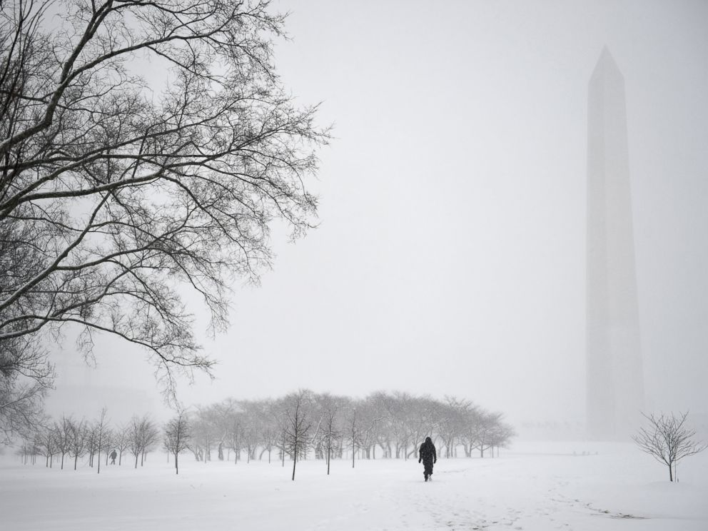 PHOTO:Not many visitors brave the snow for a walk at the National Mall while another snow storm hits with predicted record low temperatures and severe snow accumulations in Washington, D.C., March 5, 2015.