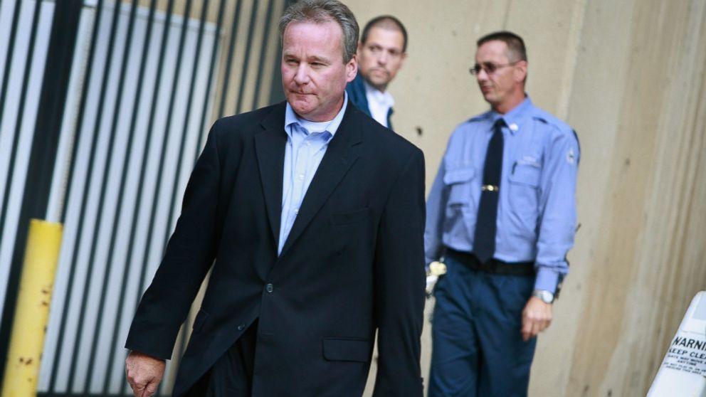 Michael David Barrett leaves the Metropolitan Correctional Center after posting bond, Oct. 5, 2009 in Chicago, Illinois.