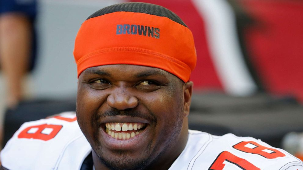 NFL offensive lineman Greg Robinson found with 157 pounds of weed in vehicle: DEA