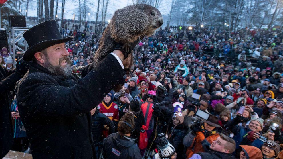 https://s.abcnews.com/images/US/Groundhog_Day_2020_hpMain_20200202-082615_16x9_992.jpg