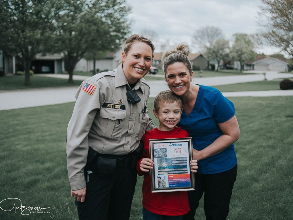 PHOTO: Officer Lindsey Bittorf surprised a family in Janesville, Wisconsin, with news that she will be donating her kidney to their 8-year-old son, Jackson Arneson.