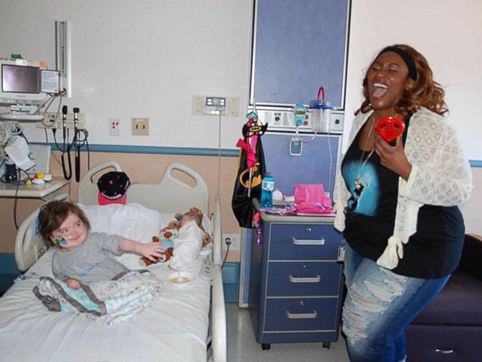 PHOTO: Leah Carroll, 4, Was Visited At UCSF Benioff Childrens Hospital  Oakland In