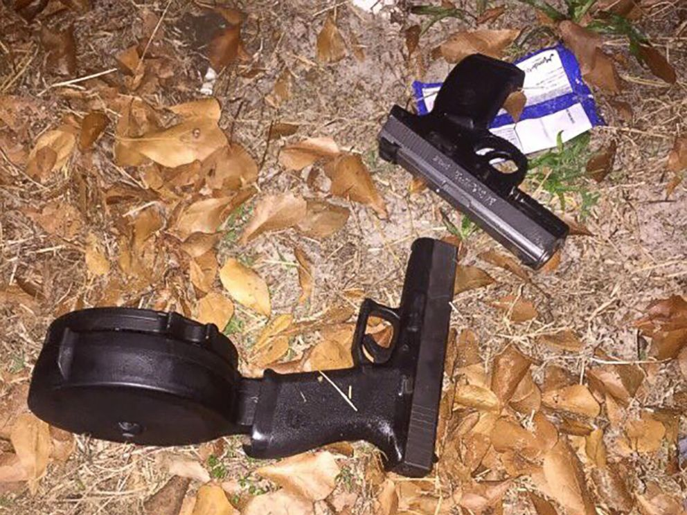 PHOTO: Orlando police say Markeith Loyd was wearing body armor and had these guns in his possession when he was apprehended.