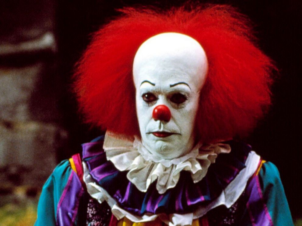 PHOTO: Tim Curry as Pennywise in a scene from It.