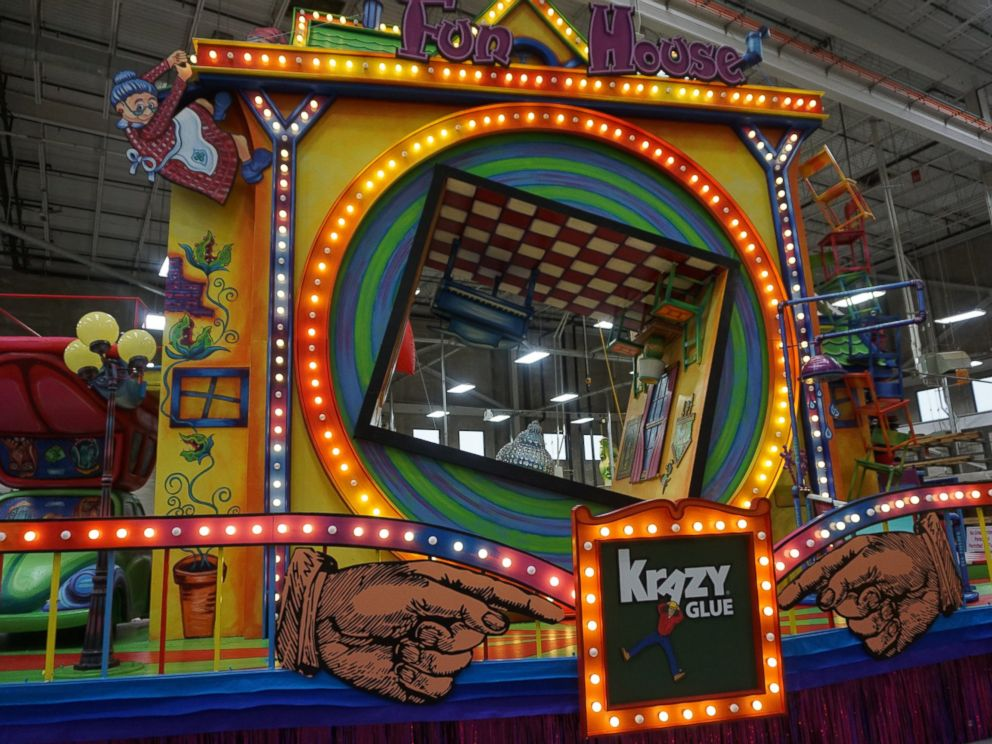 PHOTO: The Fun House Krazy Glue float will debut in the Macys Thanksgiving Day Parade 2016.