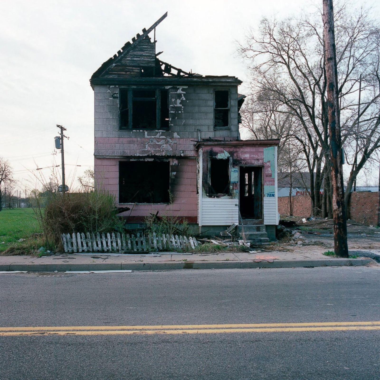 Crumbling Houses Show The Sad Decline Of Detroit Photos Abc News