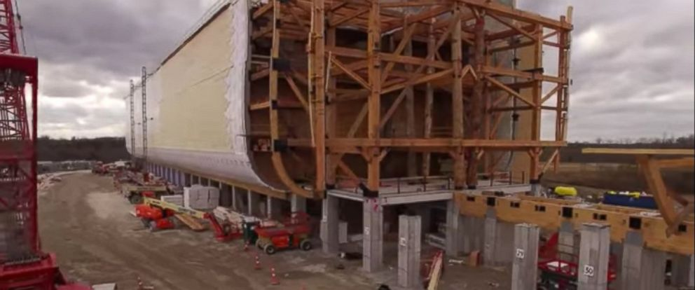 PHOTO: Life size ark under construction