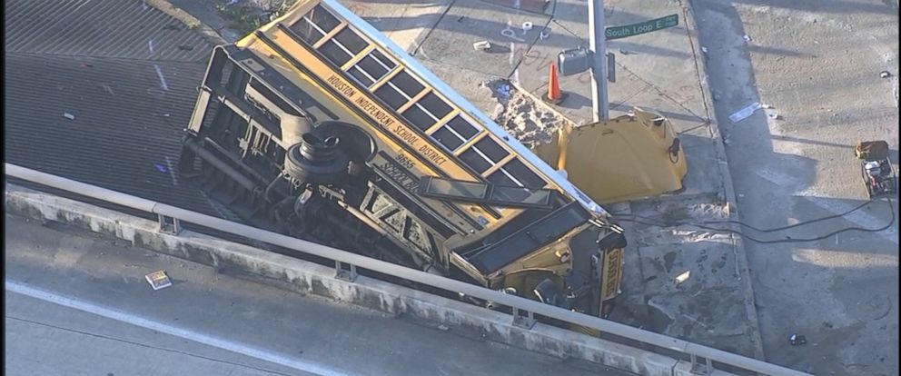 PHOTO:A school bus with students heading to Furr High School in Houston crashed and flipped over this morning, Sept. 15, 2015.