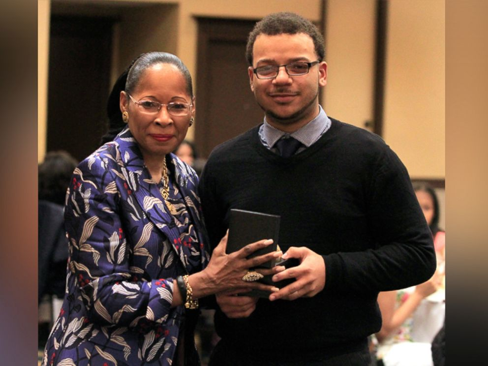 PHOTO: Chicago-area Southland College Prep Charter High School senior Christian Davis has been accepted to more than three dozen colleges and universities, including four of the nations ivy leagues.
