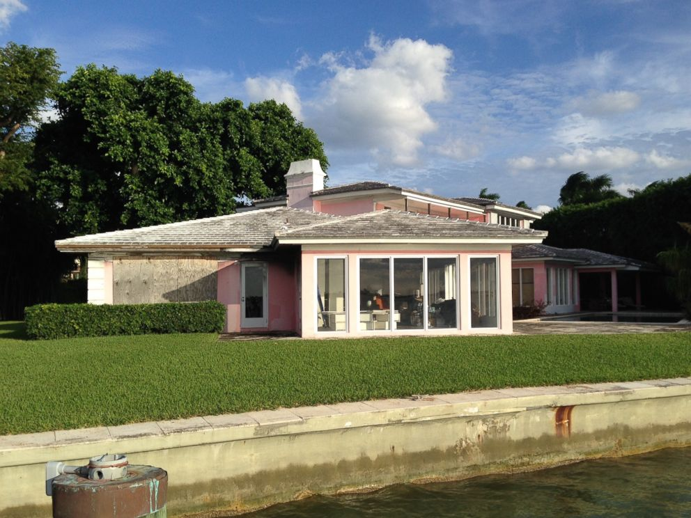 PHOTO: Pablo Escobars Former Home Features 175 Feet Of Waterfront In Miami  Beach With Views