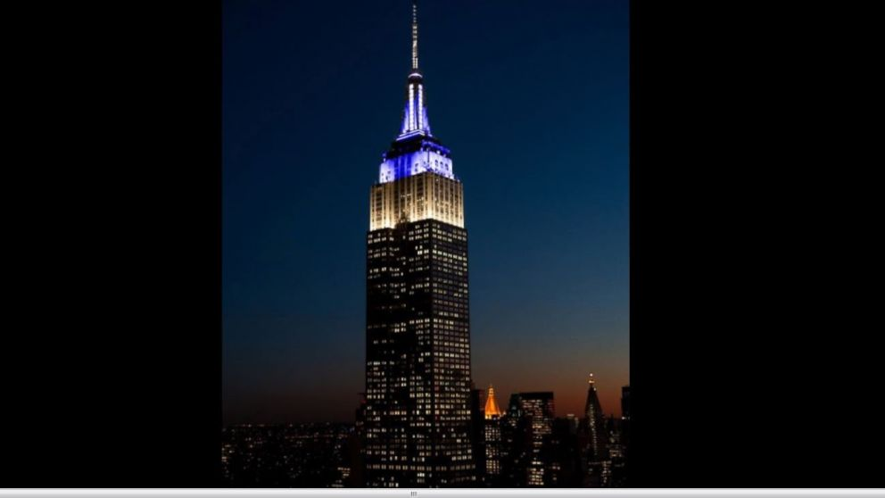 empire state building pays homage to the phantom of the opera abc news. Black Bedroom Furniture Sets. Home Design Ideas